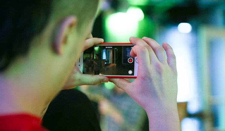 использовать на уроке камеру смартфона